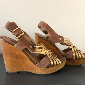 9fc756d4531 Steve Madden. Steve Madden Turnpyke wood and gold wedges